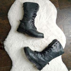 RARE Dr. Martens Triumph 12107 Plaid Combat Boots